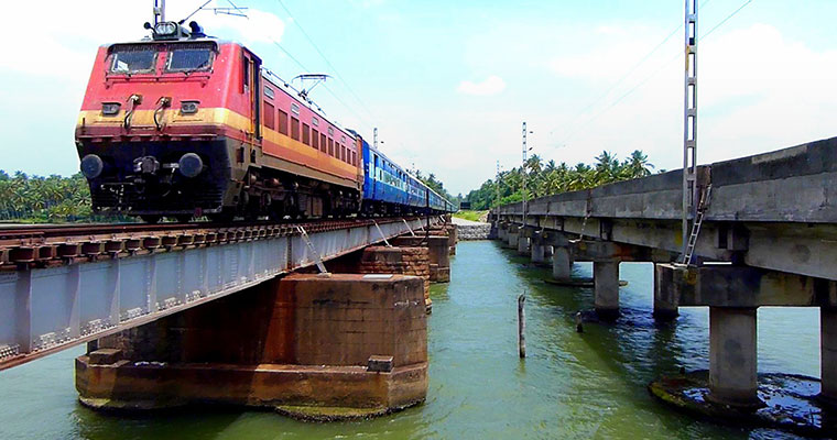 Kerala girl falls into lake from moving train, makes miraculous escape