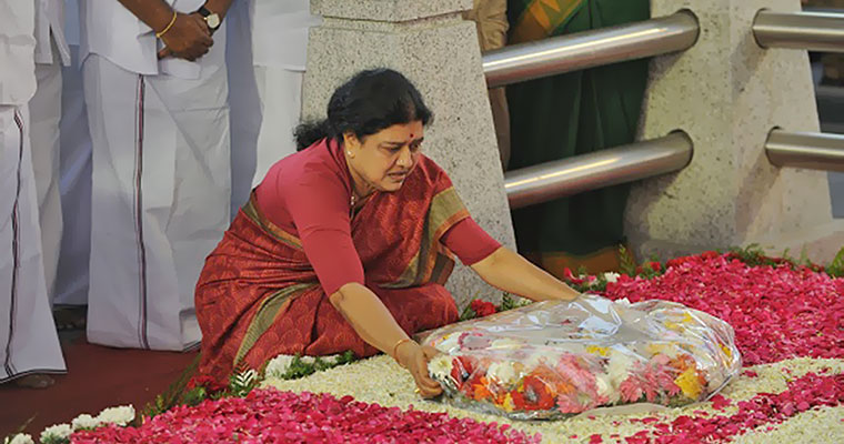 Learning English, one of Sasikala's three oaths at Amma's grave?