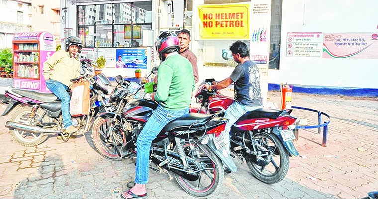 Soon, motorists will not get petrol without helmet