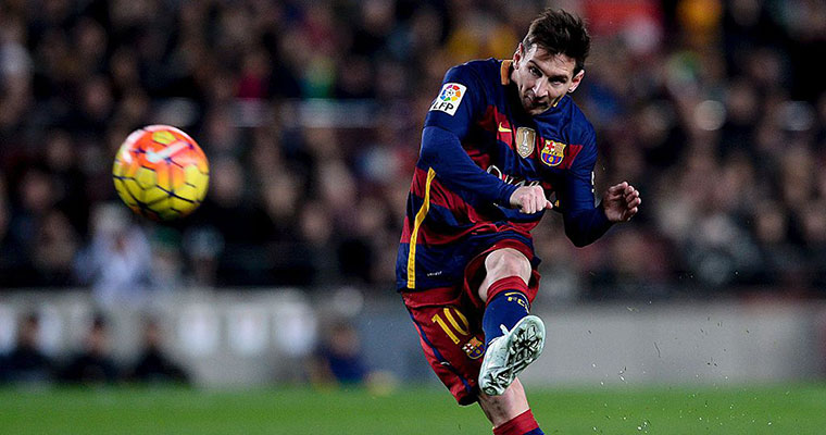Watch: Lionel Messi scores twice to keep Barcelona in title race