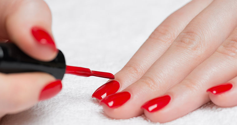 Self-defence tool: A nail polish that tells you whether your drink is spiked or not